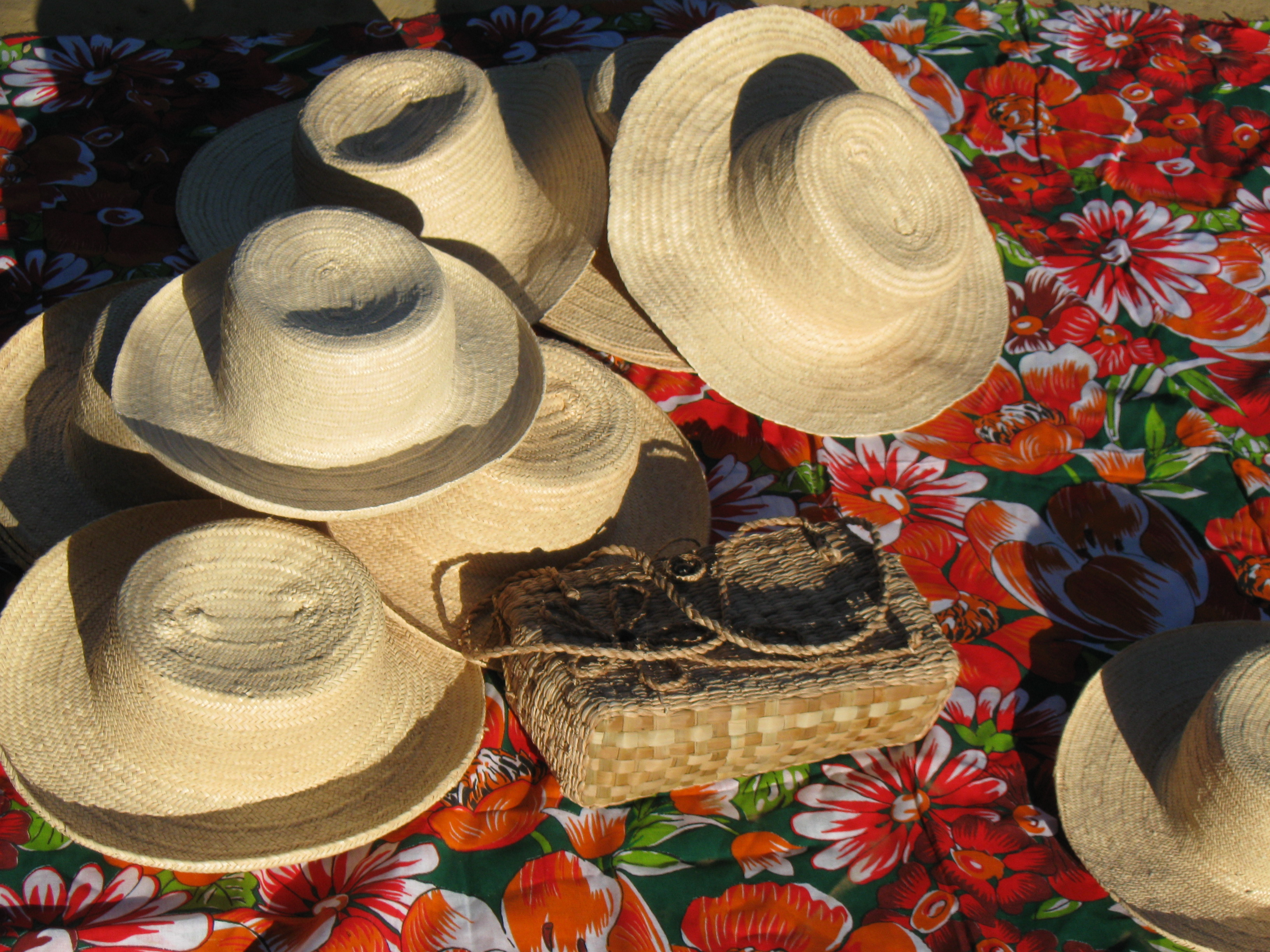 Chapéu de palha Indaiá. Foto: AMA LAPINHA