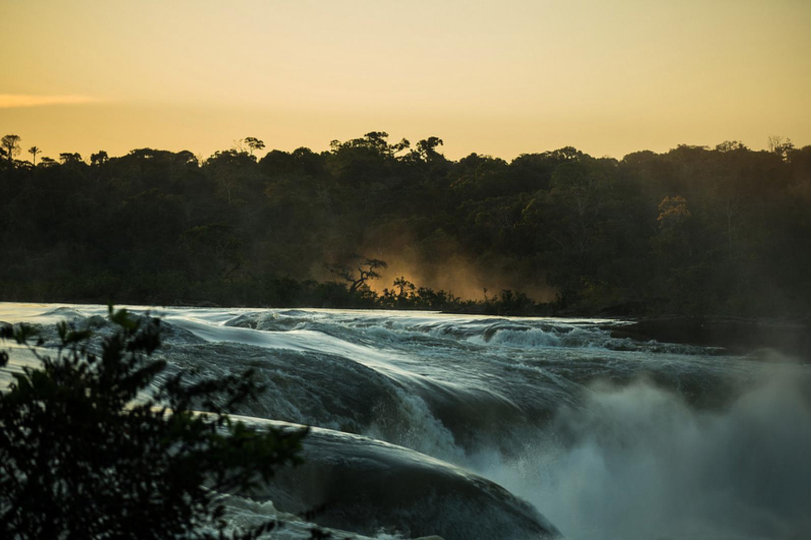 Salto Augusto, no rio Juruena. Esta cachoeira com uma queda de cerca de 20 metros consta no plano decenal da Empresa de Pesquisa Energetica (EPE) com potencial para geração de 1,4 mil MW. A previsão é construir uma hidrelétrica até o ano 2025. (foto: Thiago Foresti/Forest Comunicação).